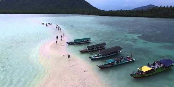 Paket Tour PAHAWANG ISLAND 3D2N